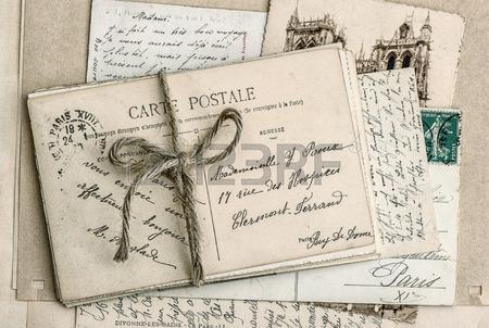 28459361-viejas-cartas-y-tarjetas-postales-antiguas_123RF_com